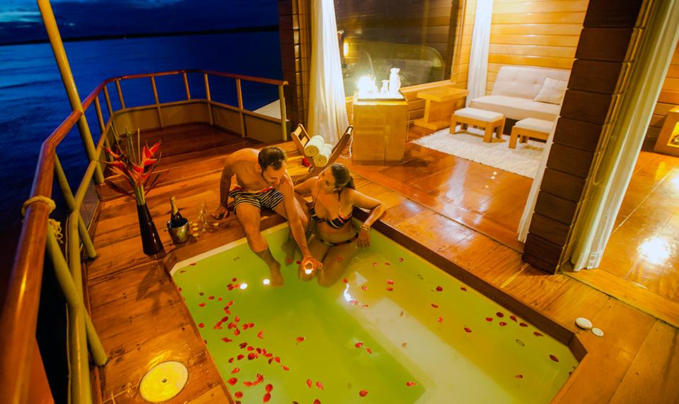 Delfin Amazon Private Travel